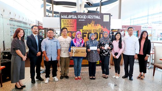 Dine & Win Mamak Street Food 2018 Prize Presentation