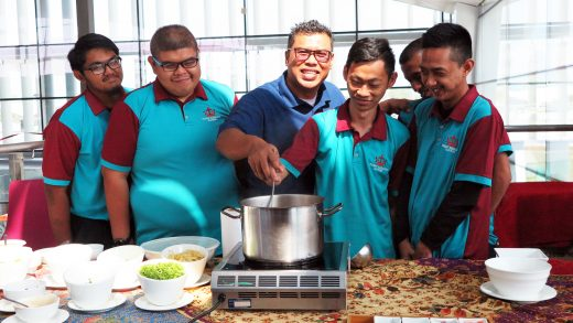 Anjung Saujana Hosts Cooking Demo For Pusat Bahagia Students